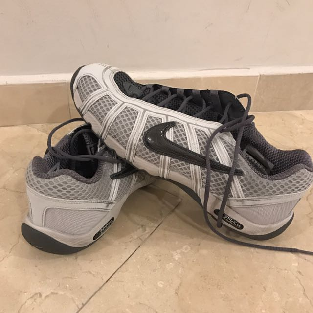 4065fa7a26d3 Nike Air Zoom Fencing Shoes GREY
