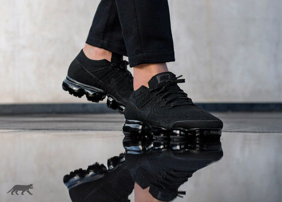 6861f4c1e9f70 Nike Vapormax Triple black, Men's Fashion, Footwear, Sneakers on ...