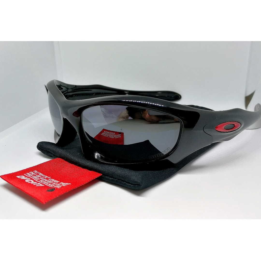 b7147aa8f734c Original Oakley Ducati Monster Dog Limited Edition Sunglasses