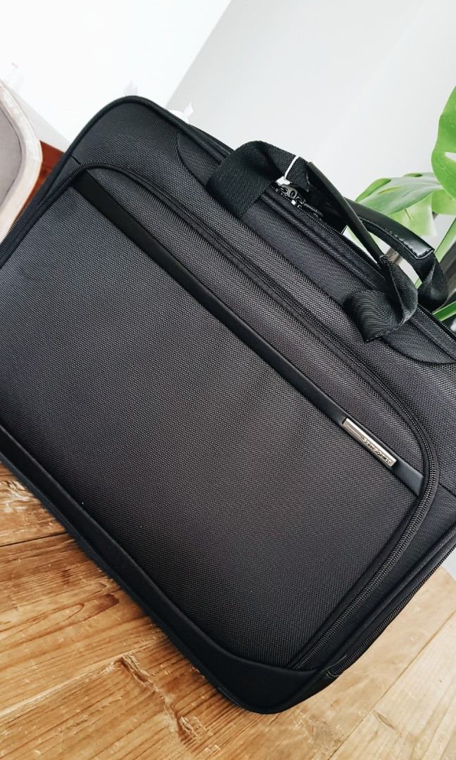 9bdfbc1a927 Samsonite briefcase, Travel, Travel Essentials, Luggage on Carousell