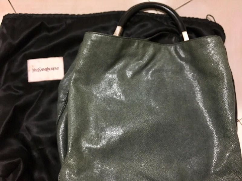 138acbbc5f05 Yves St Laurent ( stingray skin) with leather handle