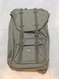 Herschel little america full volume