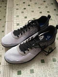 Reebok全新運動鞋
