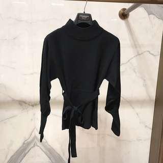 🚚 GU 繫帶簡約針織衣