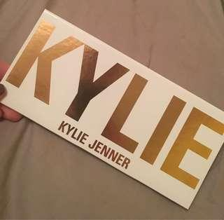 Kylie Cosmetics Bronze Extended Pallette