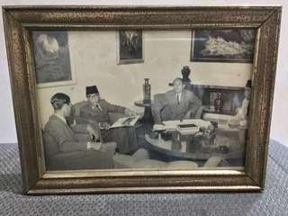 Foto Presiden Soekarno di Istana Negara