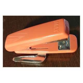 🚚 【省力多頁釘書機】MAX/HD-50R/釘書機/訂書機/附/除針器/省力