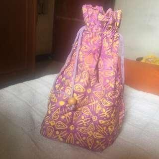 Tas batik serut ungu
