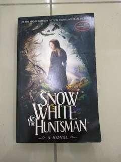 Novel- Snow White and the Huntsman