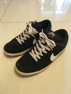 🚚 Nike dunk SB black/white