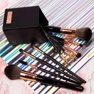 BH Cosmetics Signature Rose Gold- 13 Piece Makeup Brush Set Ready stock