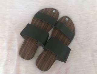 Marikina Black Sandals - Size 9