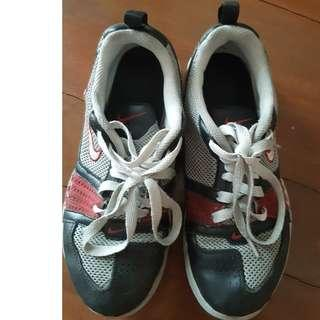 Branded rubber shoes