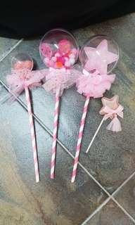 BNIB Shinny Pink Star or Heart Cake Deco