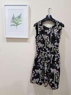 Printed dress with side zip fastening from Oasis