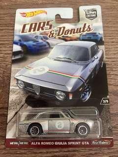 Hot Wheels Cars & Donut Alfa Romeo Giulia Sprint GTA