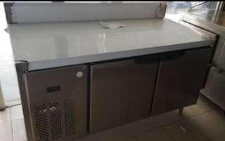 2 door counter chiller