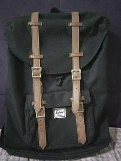 Herschel Supply Co. Little America Mid Volume Black