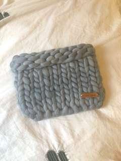 正韓商品手工藍色粗毛線手拿包❤️
