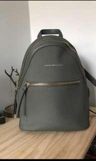 Tommy Hilfiger Backpack in Kaki Green Small Backpack