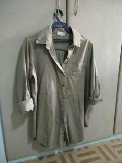 olive green polo fits Medium to XL