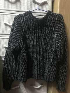 黑底白粗線 Sweater