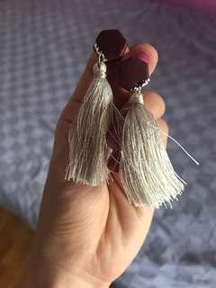 🚚 Taupe earrings