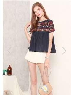 *REDUCTION Navy embroidered top