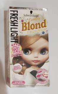NEW: Schwarzkopf Hair Color Lemon Blonde