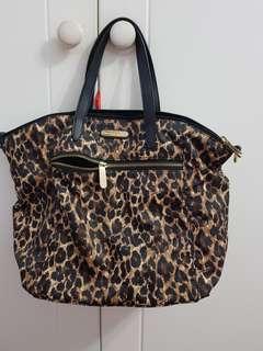 Preloved victoria secret hand bag