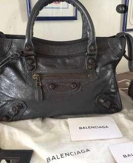UNUSED Balenciaga City Small G12