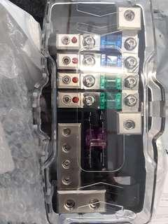 Fuse  block 2in 4out