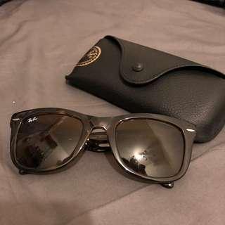 🚚 雷朋 Ray-Ban 折疊太陽眼鏡(玳瑁色)