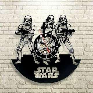 Clock Stormtrooper - Vinly record wall clock (Piring Hitam)