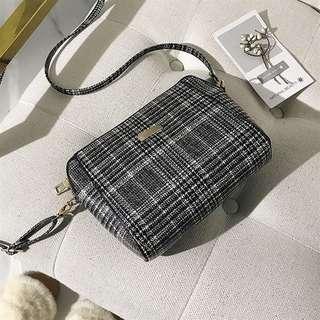 Plaid slingbag