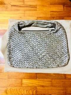 Bottega lookalike leather shoulder bag