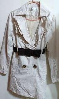 英倫知性氣質洋裝風衣外套/韓版雙排釦修身洋裝/輕薄顯瘦外套/風衣外套/英倫風中長款收腰風衣