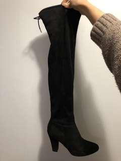 Knee-high boots size 8