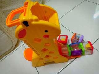 Giraffe and 5 Bloks