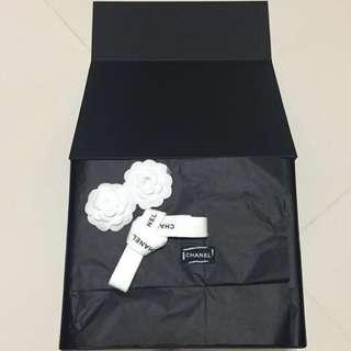Authentic Chanel Magnetic Box (complete with tissue,ribbon and camellia)