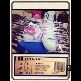 🚚 Adidas 型號M19458 高筒鞋(白)