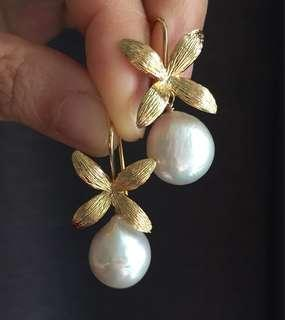 Kasumi Chinese Pearls Flower Gold Earrings