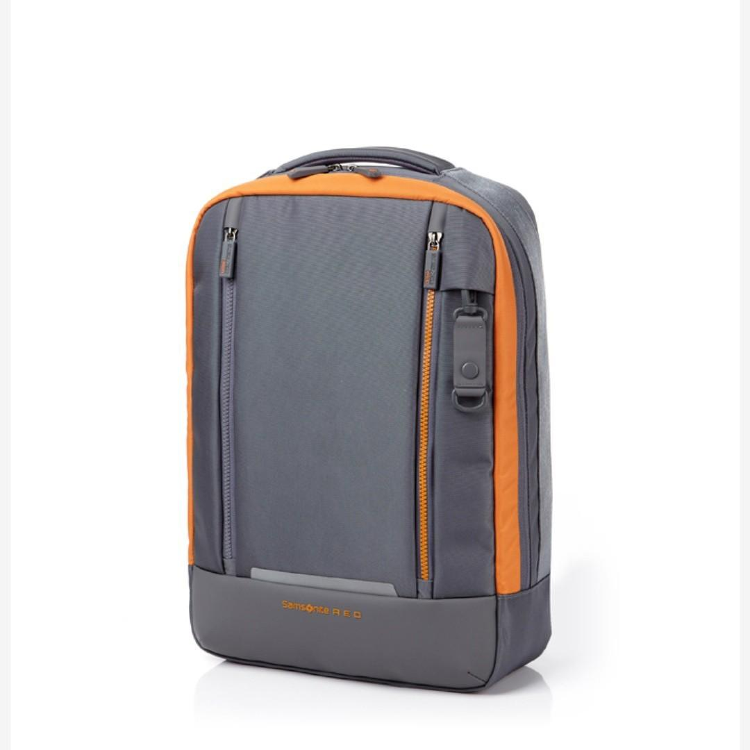 (超限時代購) Samsonite Red Vortec Backpack M/L $799起 香港暫時斷貨 要買就快  Vortec背囊系列設計強韌耐用,最適合活躍好動、喜歡戶外活動的您  Vortec is created for strong, outgoing, and active consumers. #gsshb #gss #gagsosad #samsonite #samsonitehk #vortecbackpack #backpackgss #itdog