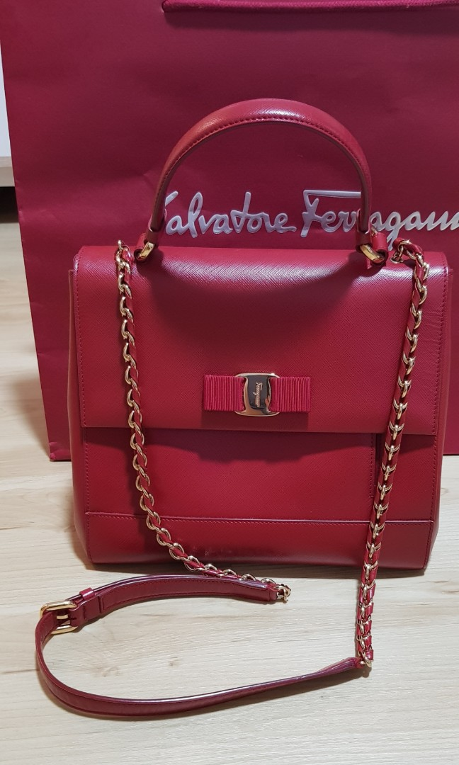 b1d016eca263 Authentic Salvatore Ferragamo Red Carrie Bag (24cm)