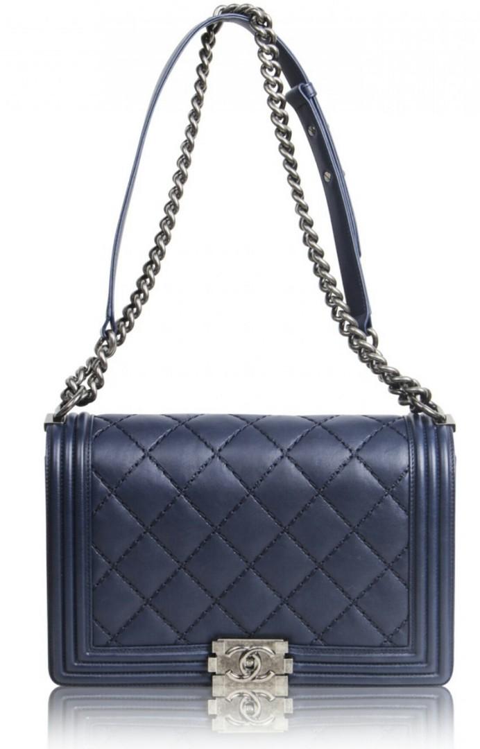 52a2f9253618 Chanel Boy Medium RRP7+K, Luxury, Bags & Wallets, Handbags on Carousell