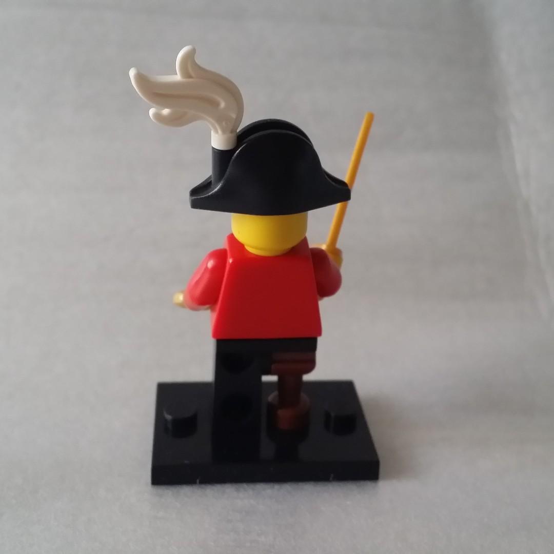 Lego 8833 Minifigures Series 8 Pirate Captain No.15 人仔 已開袋