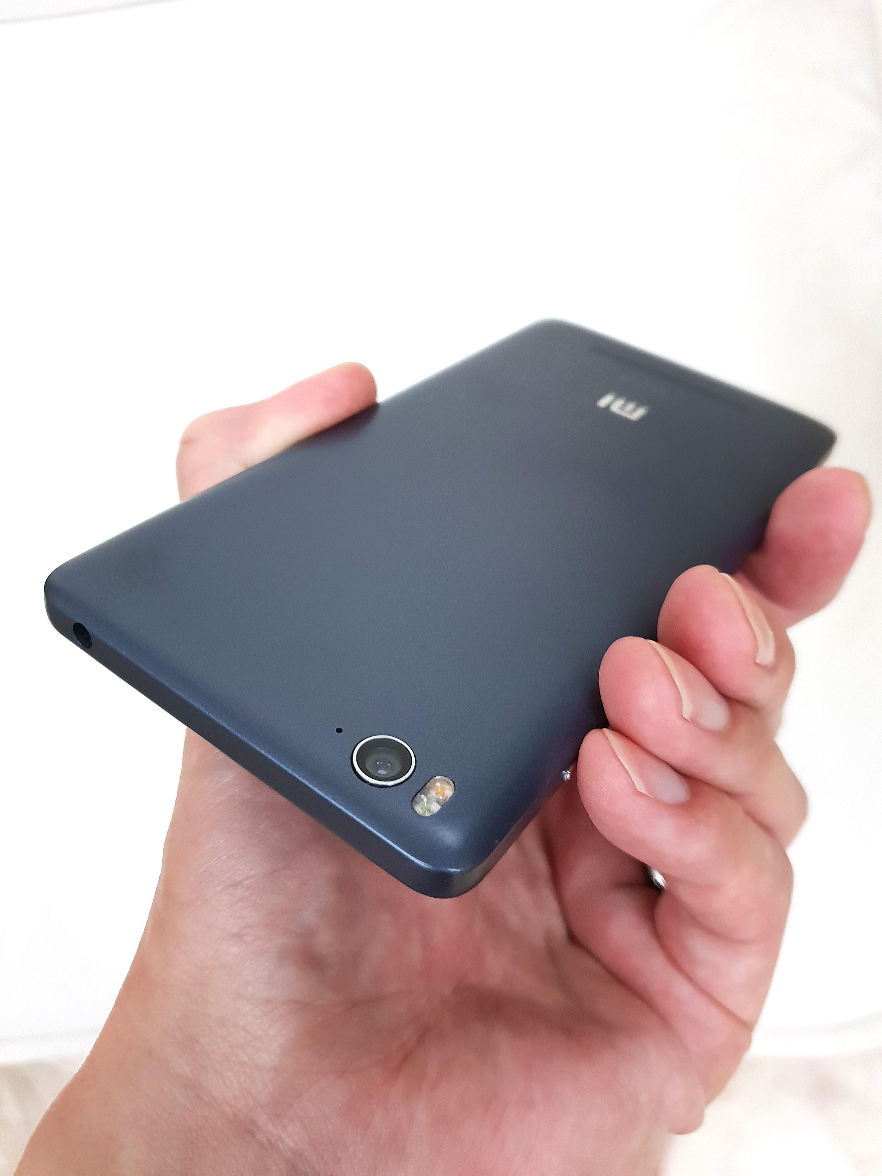 9/10* Xiaomi Mi 4i 16GB Dark Grey, Mobile Phones & Tablets