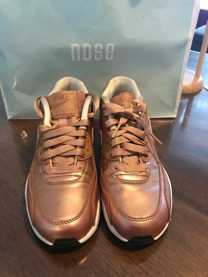 best cheap 3bf3f b2198 Nike Air Max 90 women s Rose Gold, Women s Fashion, Shoes on Carousell