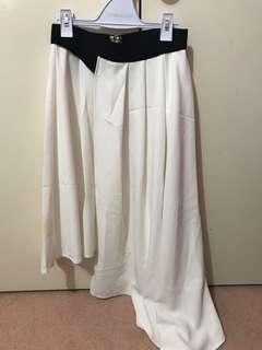 Sheike black and white skirt