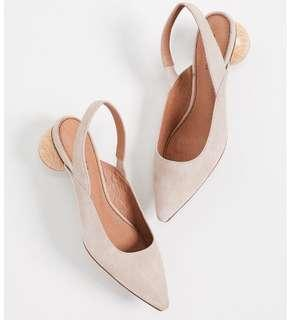 Matiko slingback pumps nude colour with wood detail heel